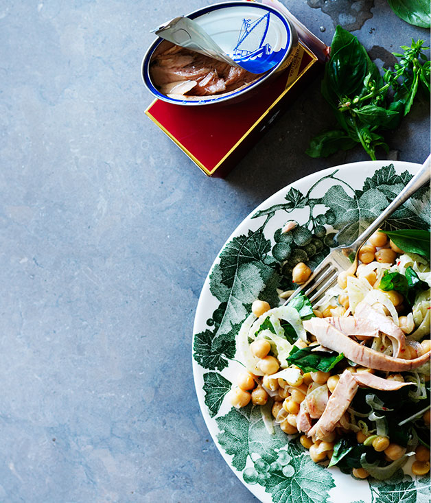Chickpea, fennel and tuna salad