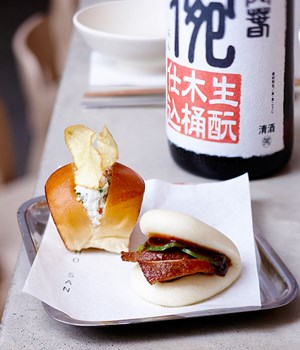Toasted bun with spanner crab and steamed  buns with smoked duck