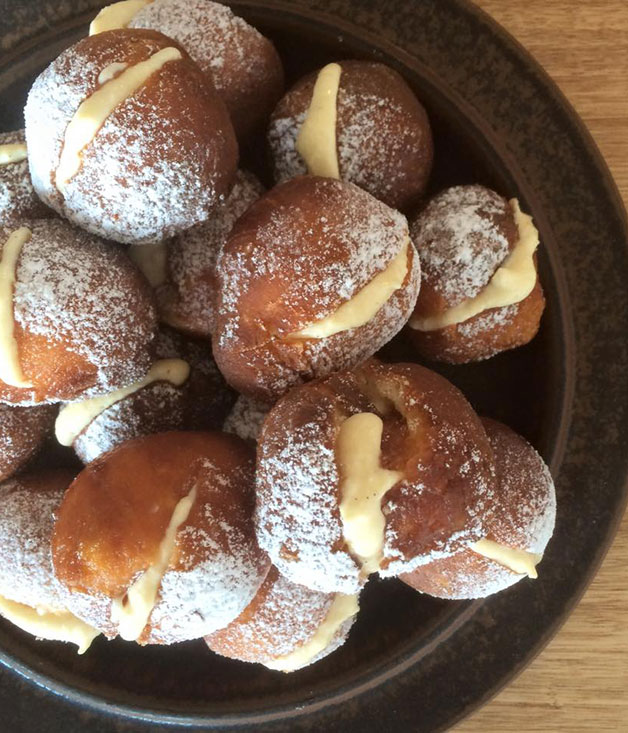 Fried brioche with sweet ricotta