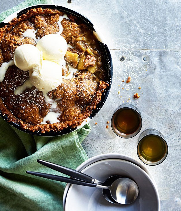 Apple Anzac pie