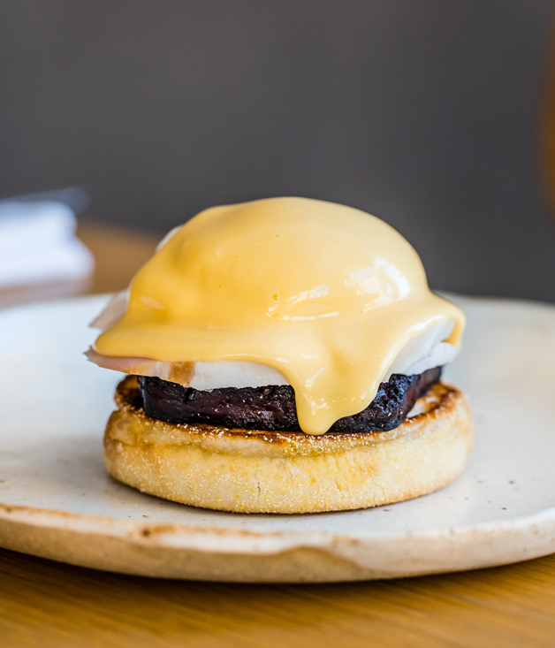 Eggs Benedict with black pudding