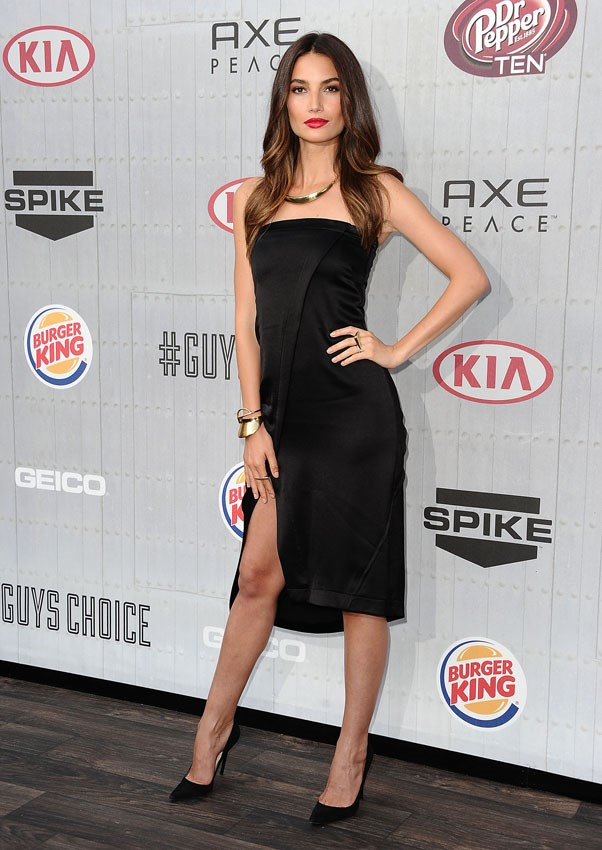 <strong>Vegan meal delivery service</strong> <br>When in New York, <strong>Lily Aldridge</strong> subscribes to an organic, gluten-free and vegan meal delivery service to keep her diet in check. <em>Eat Fit Food</em> provides a similar service in Australia - choose from a 5 day cleanse, a 10 day detox or a 30 day overall to recreate this Victoria's Secret Angel's diet.