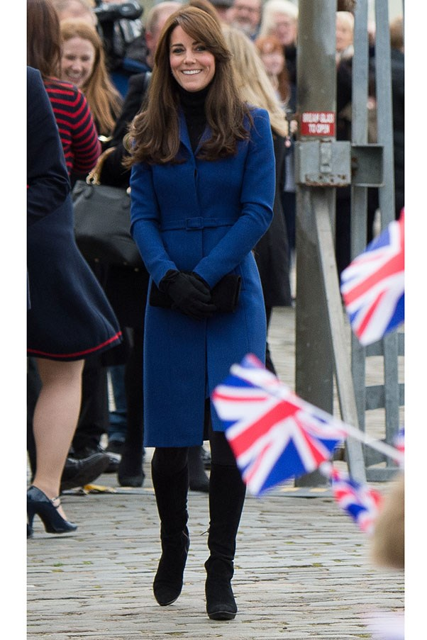 Kate rocked a Christopher Kane coat and suede boots on a recent trip to Scotland.