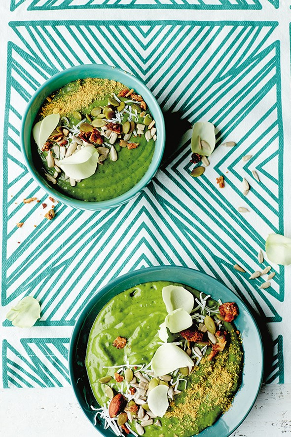 Recipe Residency Lola Berry's Mighty Minty Green Smoothie Bowl