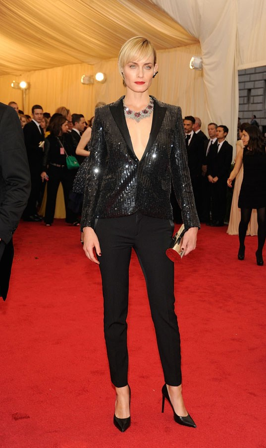 <strong>Amber Valletta</strong><br><br> At the Met Gala, 2014