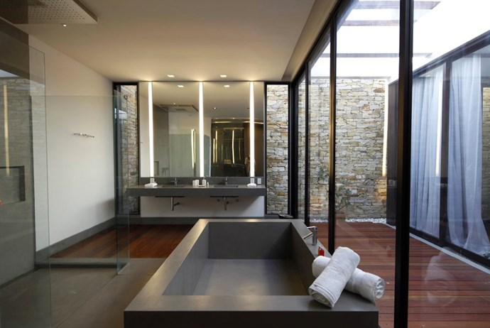 <strong>Alessandra's Villa</strong> <br><br> Outdoor bathroom? Tick.
