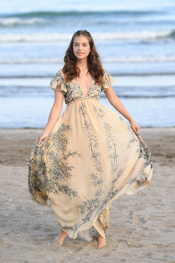 Barbara Palvin in Philosophy di Lorenzo Serafini