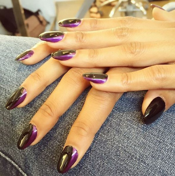 """Bts on set today with @katgrahampics @brettrutt @ericraydavidson !! 💜▪️💜▪️💜 love this metallic side French on Kat 😊🐯 #stephstonenails"" - <a href=""https://www.instagram.com/p/4XPk6ARmMV/"">@stephstonenails</a>"
