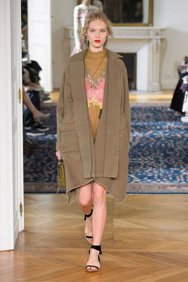 <strong>Fatigues Please</strong> <br><br> Valentino