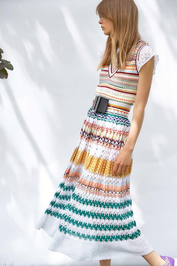 <strong>Horizontal Knitted Striped</strong><br><br> Missoni