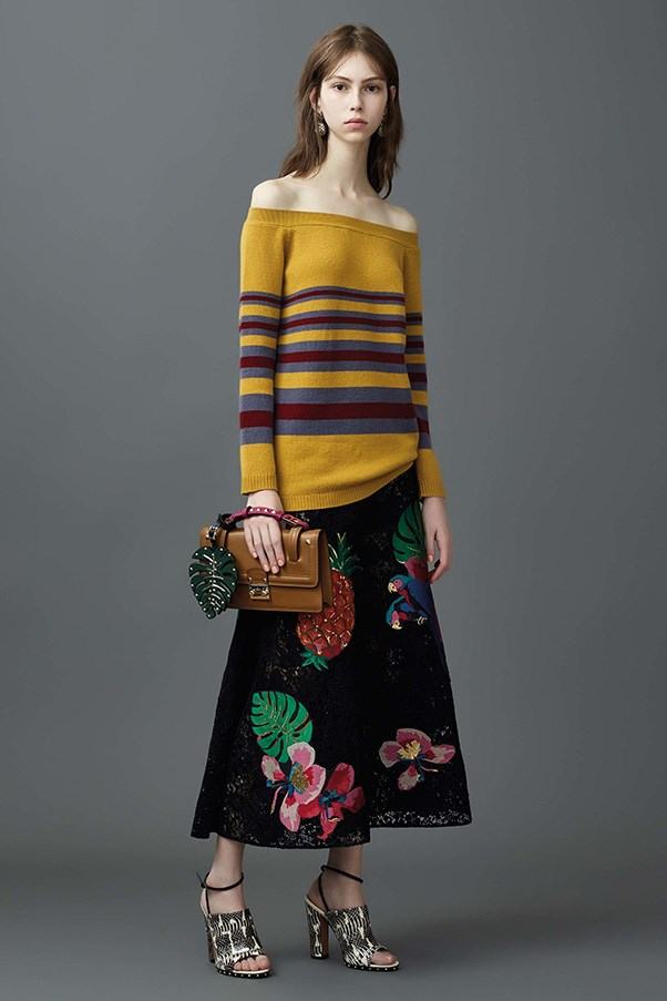 <strong>Horizontal Knitted Striped</strong><br><br> Valentino
