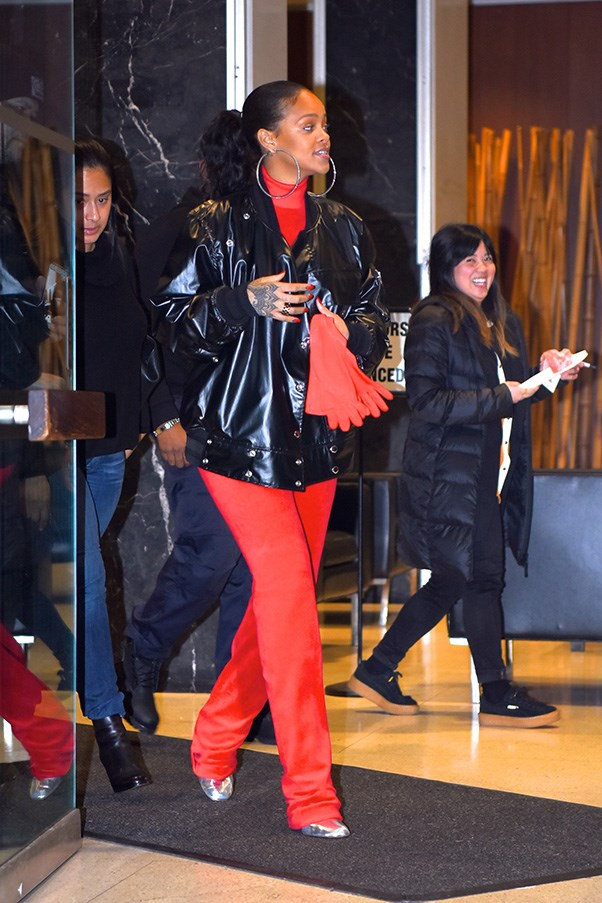 <strong>When:</strong> 22nd January, 2017<br><br> <strong> What:</strong> A Juicy Couture x Vetements velour tracksuit with a leather jacket.