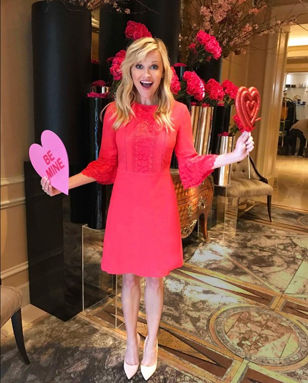 "<strong>Reese Witherspoon</strong> <BR><Br> ""Since it's Feb. 14th in #NewZealand ... Happy #ValentinesDay!!! Sending love and kisses to all y'all state side! ❤️💋🌹😘 (👗: @draperjames)"""