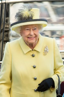 Queen Elizabeth yellow suit