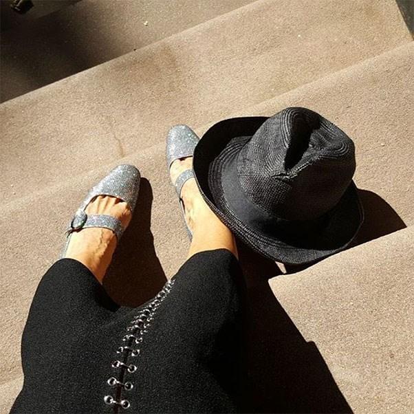 """<strong>Sarah Jessica Parker in SJP Collection</strong><br><br> Instagram: <a href=""""https://www.instagram.com/p/BLlnhnega3h/"""">@sarahjessicaparker</a>"""