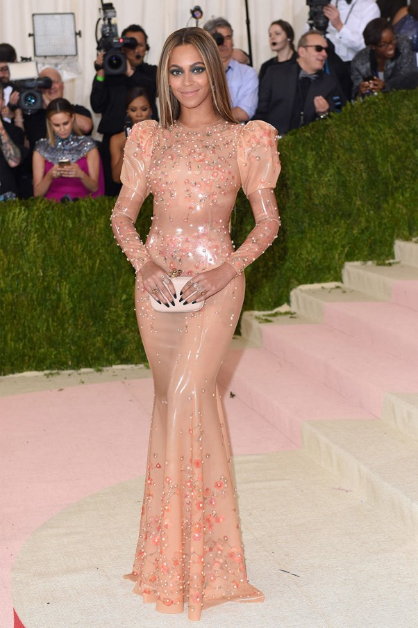 <strong>2016</strong> <br><br> When Beyoncé stepped out in a nude latex Givenchy gown, prompting Lemonade fans to question if it could possibly be Becky's skin.