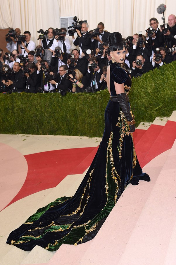 <strong>2016</strong> <br><br> When Katy Perry brought some gothic drama in a Prada gown and beehive updo.