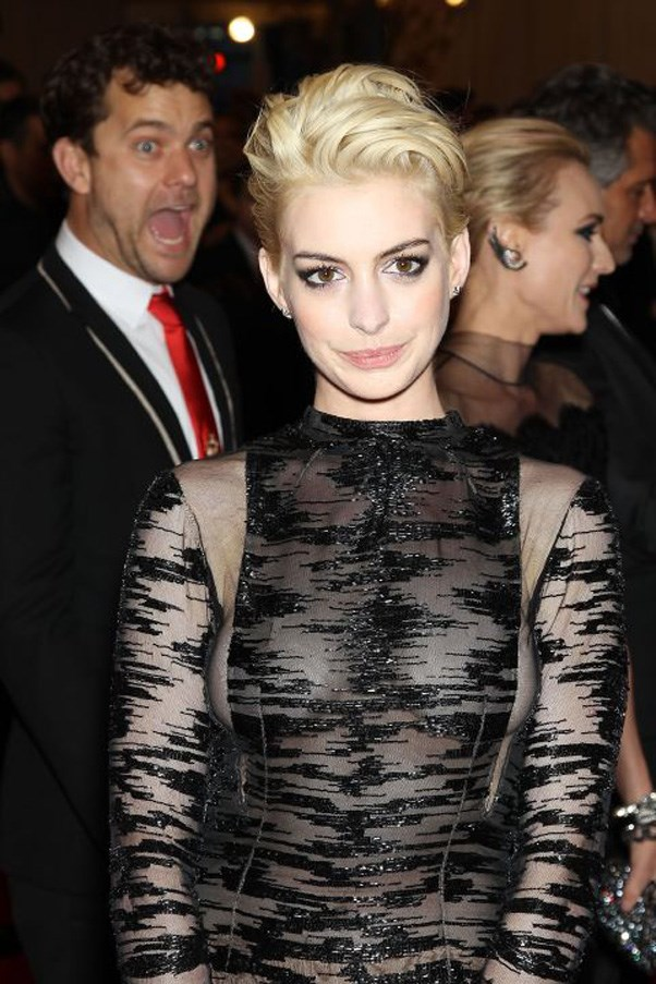 <strong>2013</strong> <br><br> When Anne Hathaway showed up with platinum hair and got photobombed by Joshua Jackson.