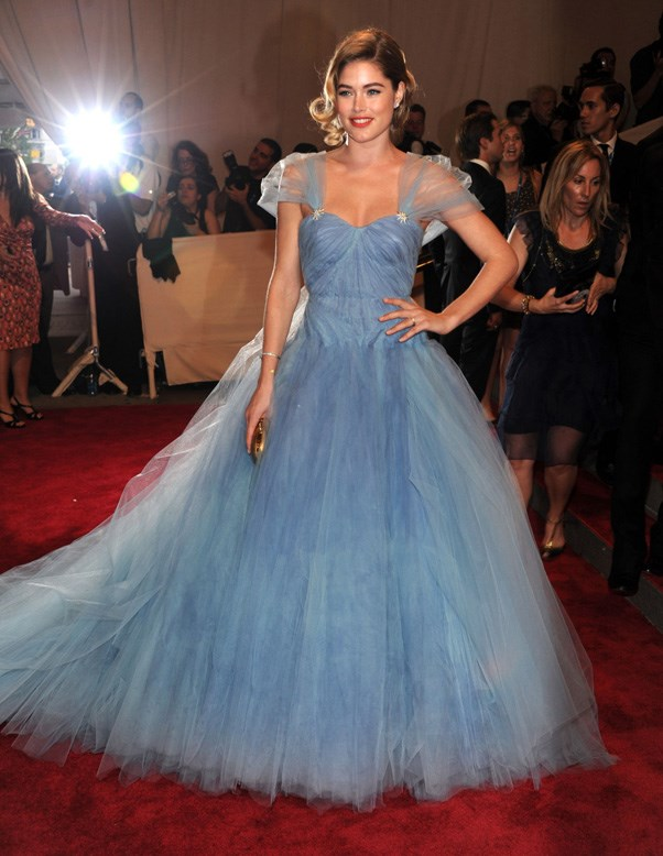 <strong>2010</strong> <br><br> When Doutzen Kroes had a Cinderella moment in this frothy blue Zac Posen gown.