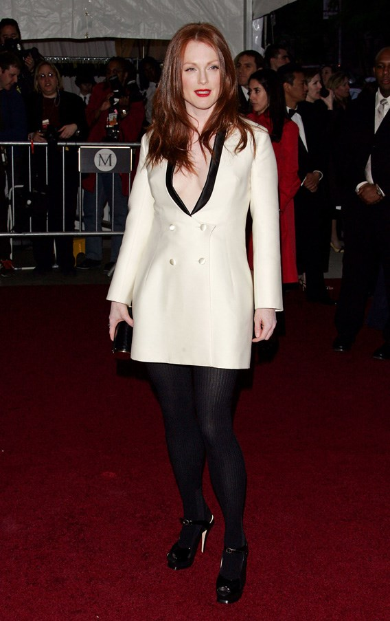 <strong>2007</strong> <br><br> When Julianne Moore was way ahead of the trend in this Saint Laurent blazer dress.