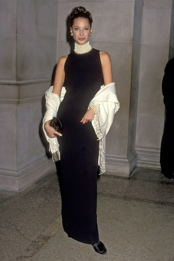 <strong>1992</strong> <br><br> When Christy Turlington gave us her best Audrey Hepburn look.