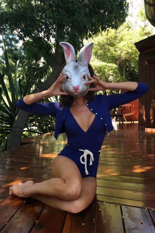 "<strong>Victoria Beckham</strong> <p><p> ""Happy Easter fashion bunnies!! Kisses from the sunshine x 🇺🇸 x VB"" <p> Image: <a href=""https://www.instagram.com/p/BS9BKktBPtX/"">@victoriabeckham</a>"