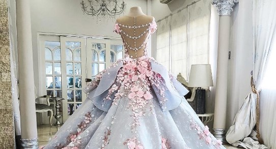 This Wedding Dress Is Actually A Cake Harpers BAZAAR