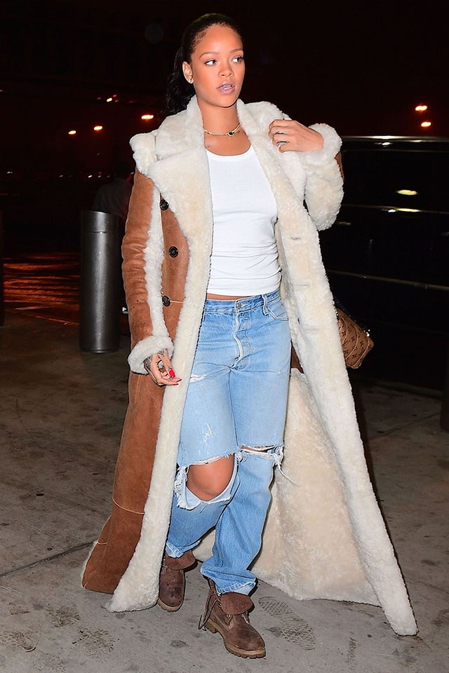 <strong>When:</strong> January 21 2017 <br><br> <strong>What:</strong> A maxi-length shearling coat, Timberland boots, ripped jeans, a gold necklace and Louis Vuitton backpack in New York City. <br><br> Image: Splash