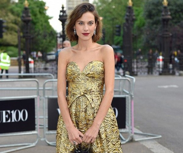 All The Times Celebrities Made Vintage Look New On The Red Carpet