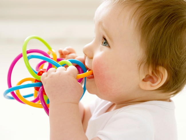 Teething: Tips To Sooth You Baby's Teething Symptoms