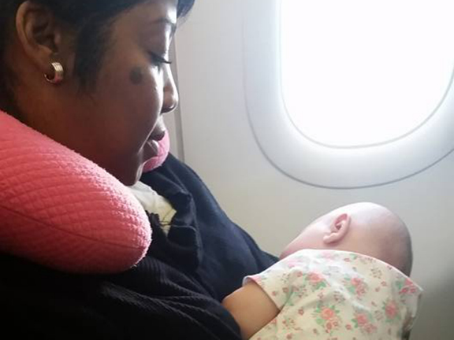 Mum Posts Facebook Thankyou Note to Woman Who Helped Her On Plane Goes Viral