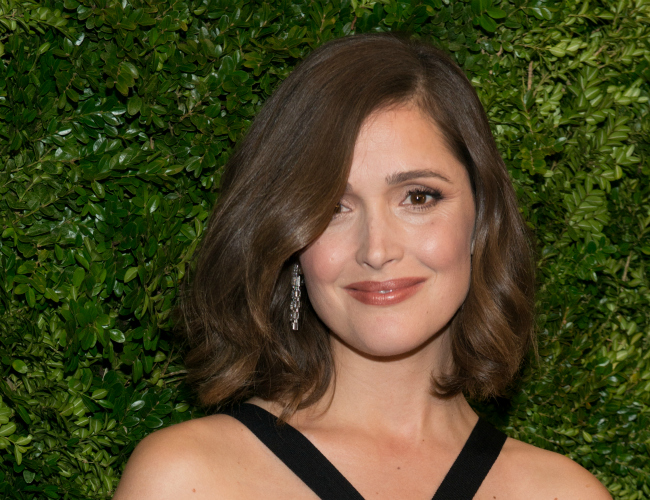 Pregnant Rose Byrne Reveals Gorgeous Baby Bump
