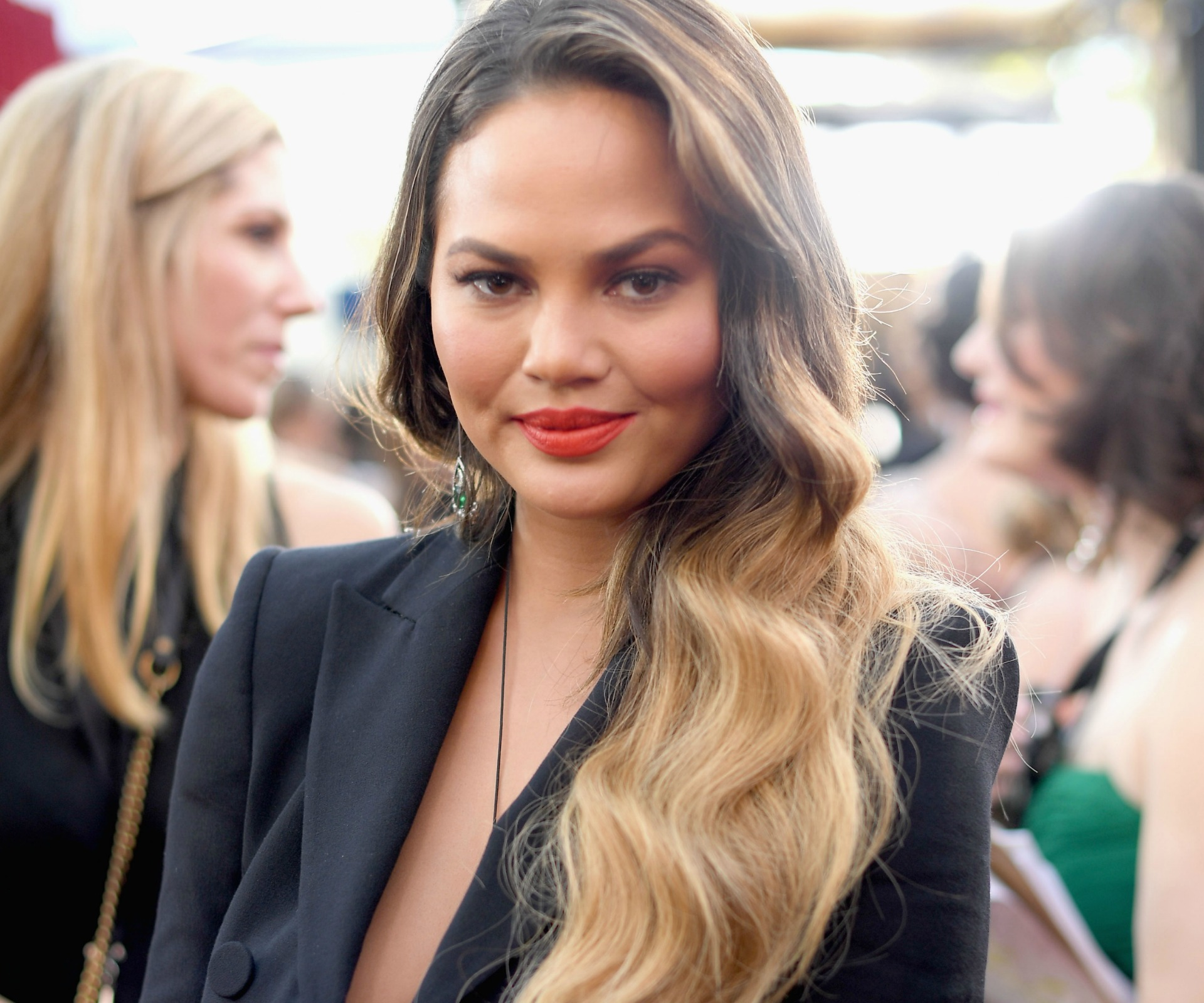 Teigen unhurt in accident
