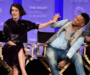 Cuba Gooding Jr. just lifted up Sarah Paulson's dress and it was very uncomfortable