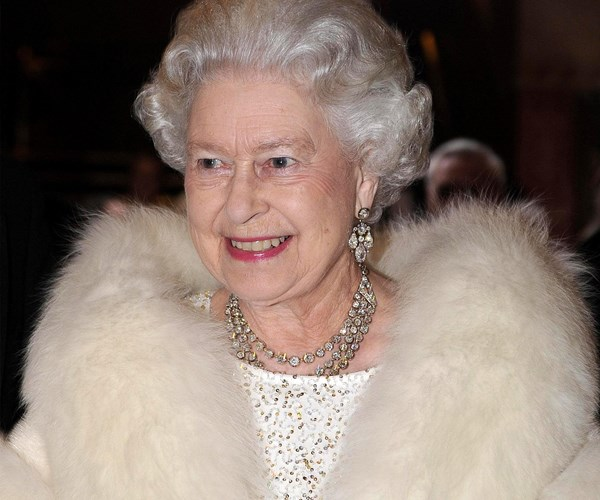 The Queen only wears this nail polish colour