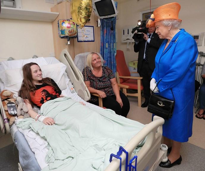 Queen Elizabeth visits Manchester terror attack victims