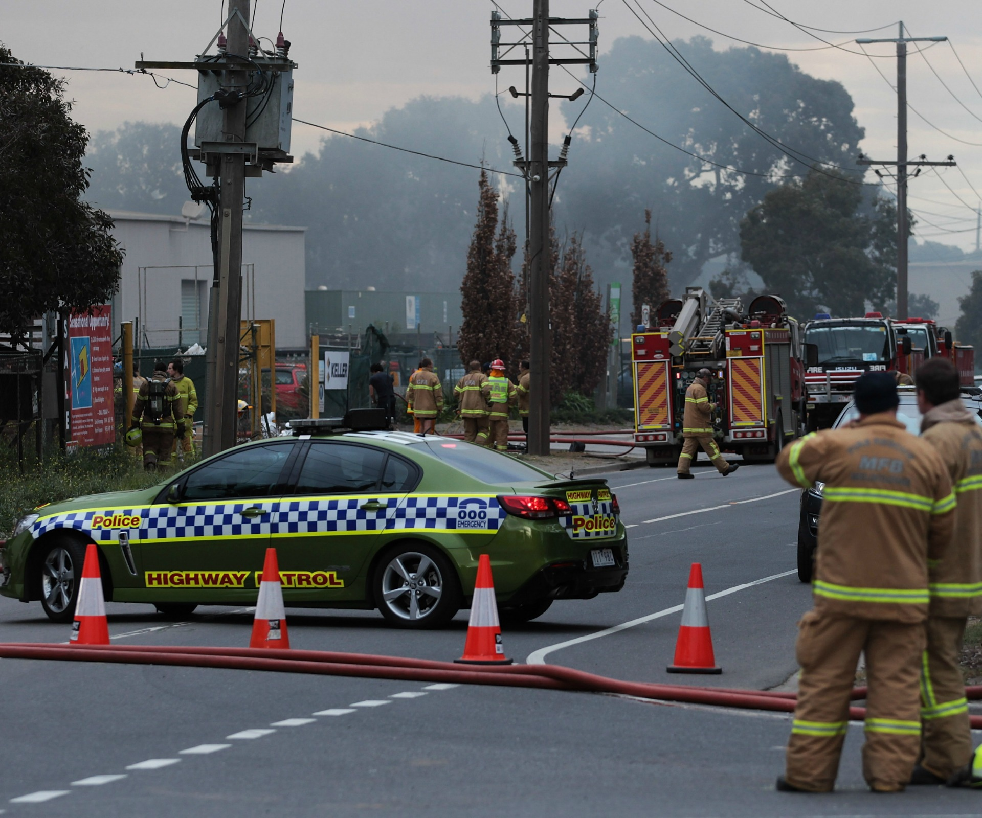 Melbourne fire: Hazardous smoke forces evacuations
