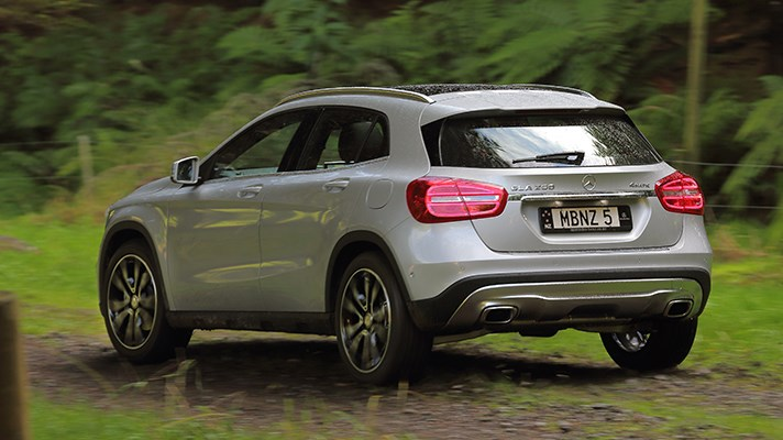 2014 mercedes gla 250 sport top gear. Black Bedroom Furniture Sets. Home Design Ideas