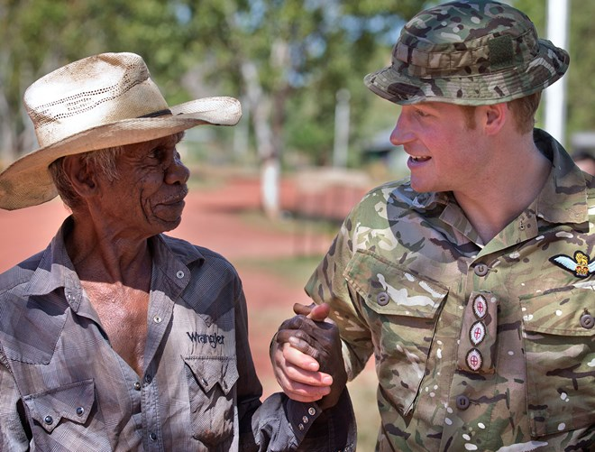 Prince Harry has a flyin' time with the Army in Darwin