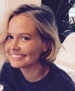 Lara Bingle's mum shares touching photo of daughter