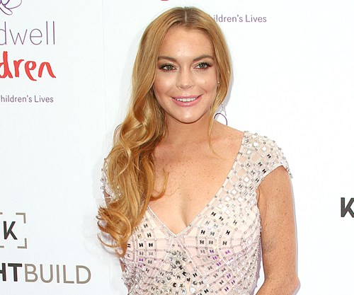 Lindsay Lohan accuses boyfriend of cheating on Twitter ...