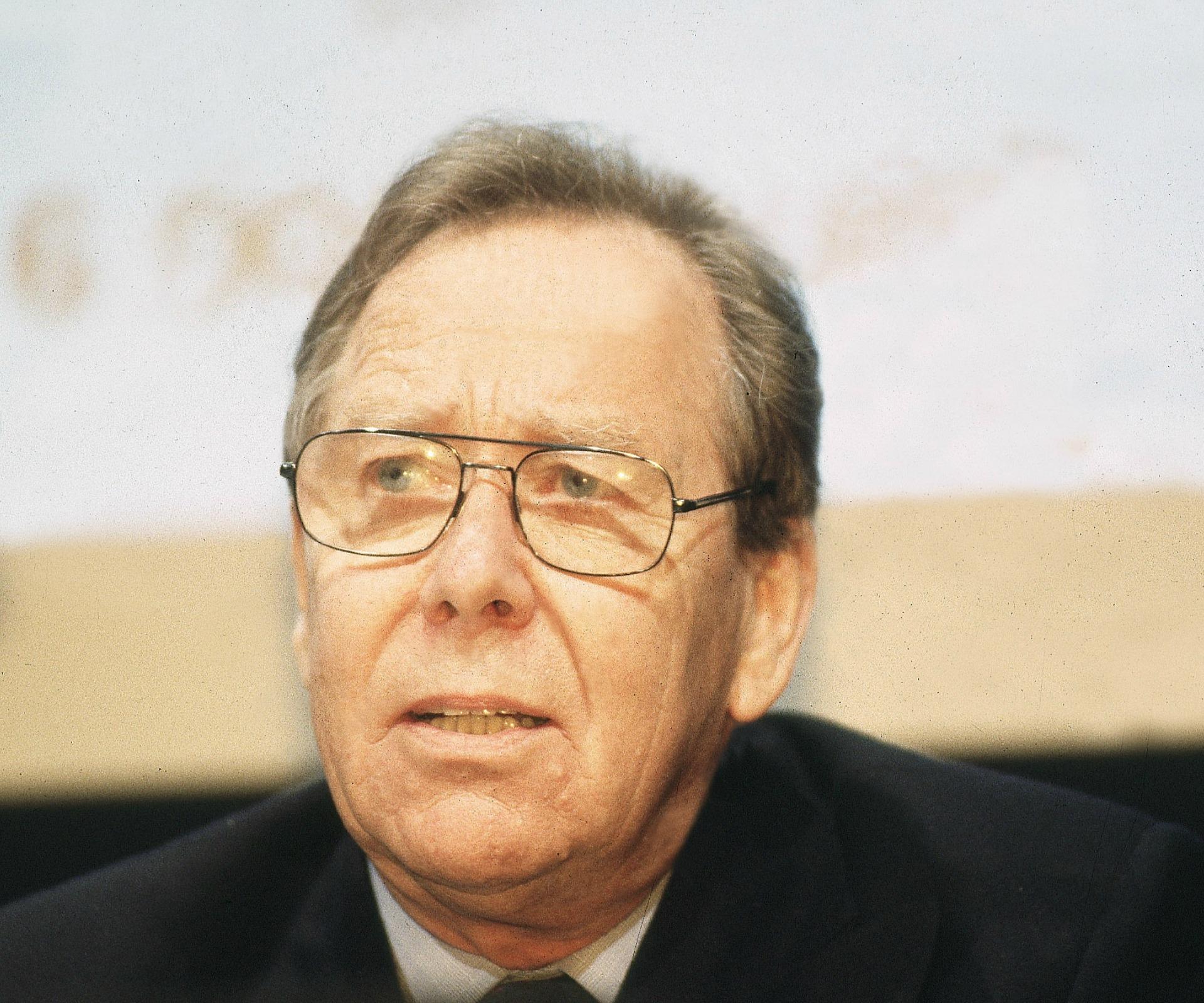 Princess Margaret's Former Husband Lord Snowdon Dies at 86