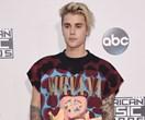 China bans Justin Bieber for bad behaviour