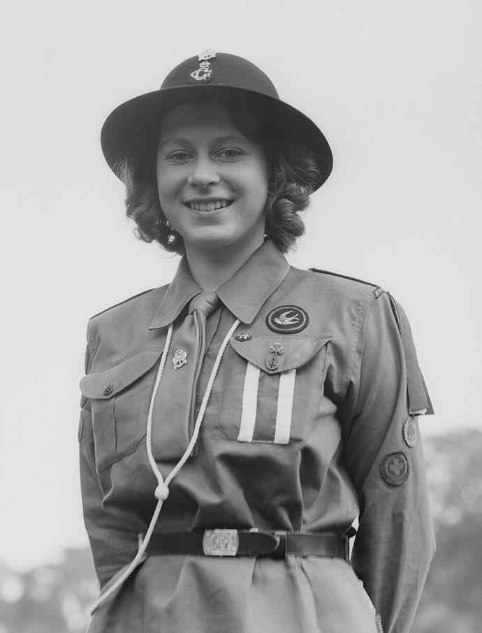 king george cougar women The george cross was instituted on 24 september 1940 by king george vi at this time, during the height of the blitz , there was a strong desire to reward the many acts of civilian courage.