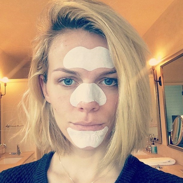 "**Enlarged pores.** When you see celebs on the red carpet looking ~FLAWLESS~ it's hard to imagine that they even have pesky little things like pores. But they do. Halle-bloody-luiah, we're not the only ones fighting the pore war! Brooklyn Decker with pore patches on her face is ALL OF US. Yas. Try [Biore Combo Deep Cleansing Poor Strips Pack (14 pack)](https://www.priceline.com.au/biore-combo-deep-cleansing-pore-strips-14-pack/|target=""_blank""
