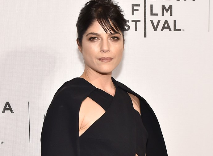 "Selma Blair explains THAT plane incident, where she claimed ""He burns my private parts"""