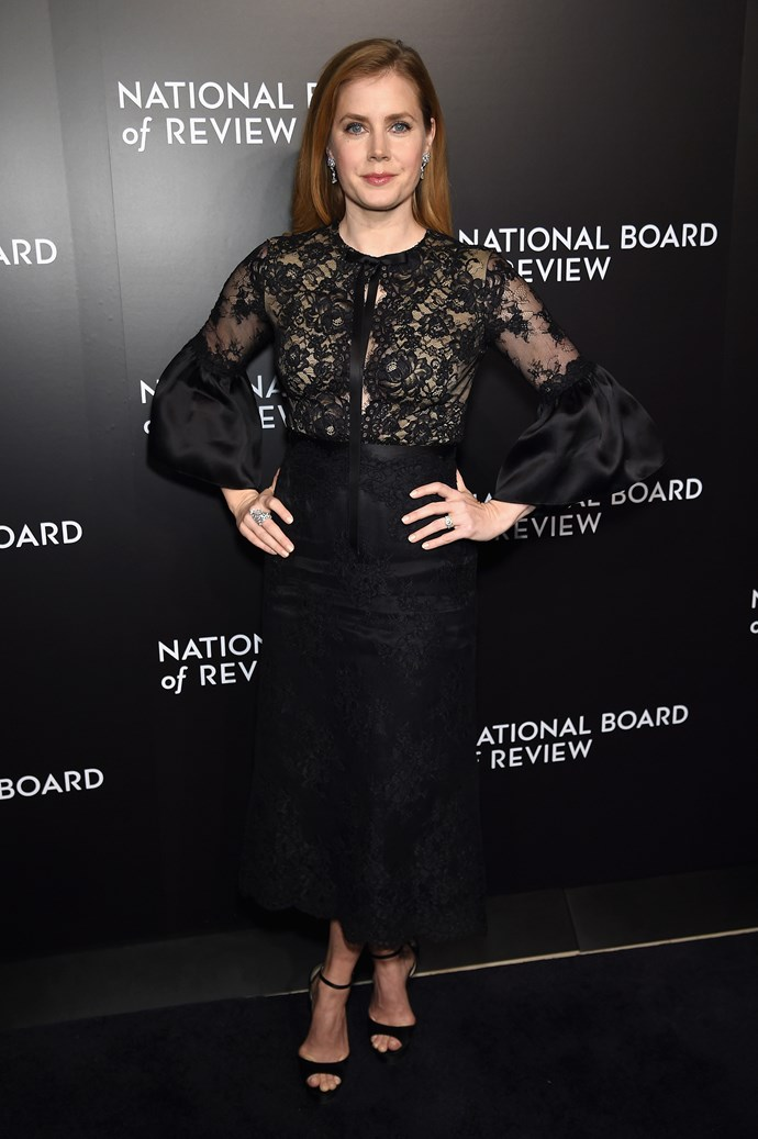 Amy Adams sports a sexy black lace number for the National Board of Review Gala and we're obsessed.