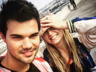 Taylor Lautner and Billie Lourd