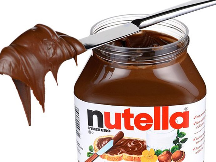 This brutally honest photo shows what REALLY goes into a jar of Nutella