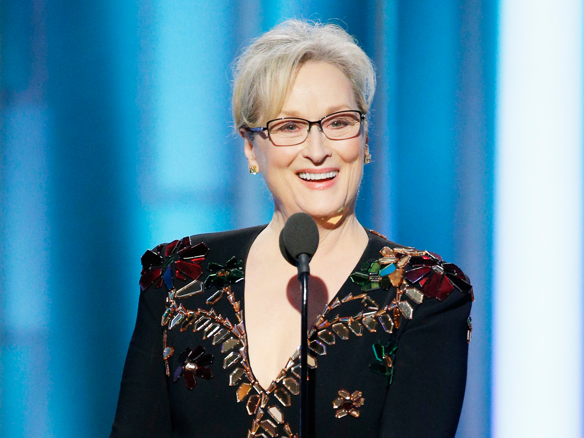 Meryl Streep celebrates her record 20th Oscar nod with the flawless GIF